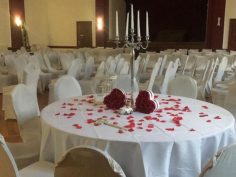 Hochzeit im alten Schloss